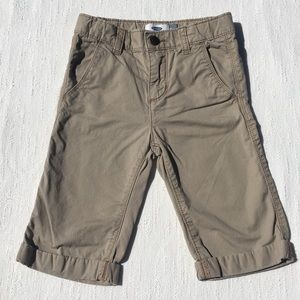 Old Navy 3/4 Length Khaki Shorts Size 5T